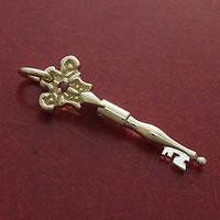 金の鍵のペンダント・アンティーク風K18製