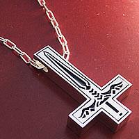 剣とシンプルのリバーシブルで逆さ十字架のオーダーメイドシルバーペンダント